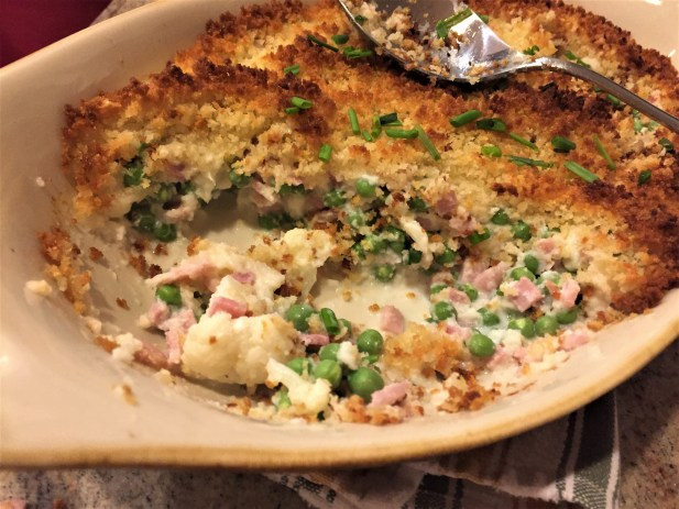 Cauliflower Casserole with peas and ham