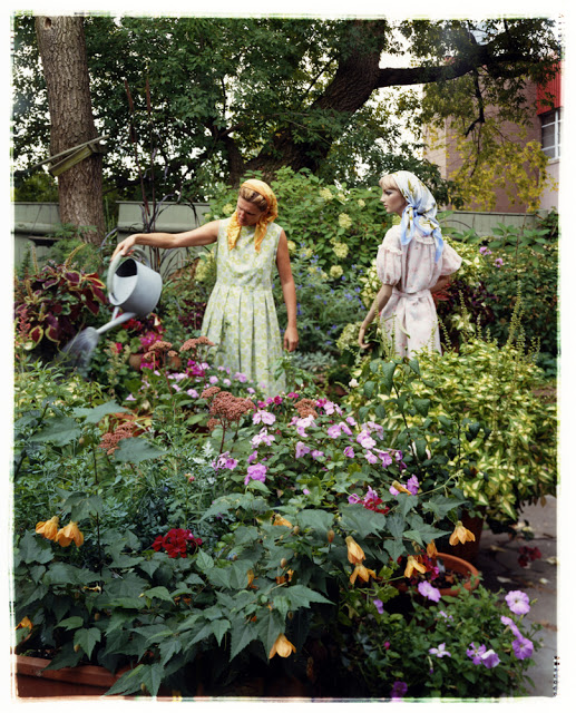 """Bridget and I – Garden, 2012"" C-print by Asia Kepka (courtesy of the artist)"
