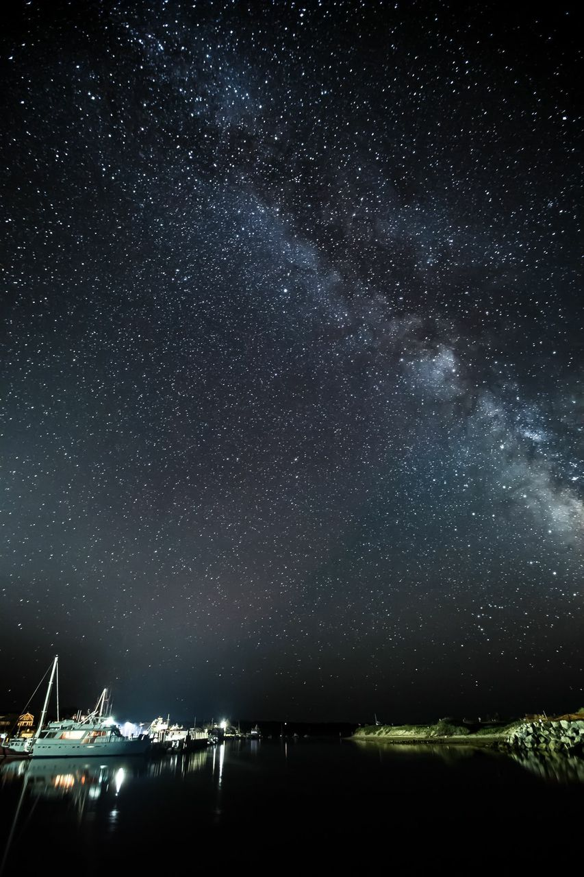 """""""The Milky Way Over Menemsha"""" from the series Night in Color, C-Print on metal by Christopher Wright (courtesy of the artist and 555 Gallery, Boston)"""