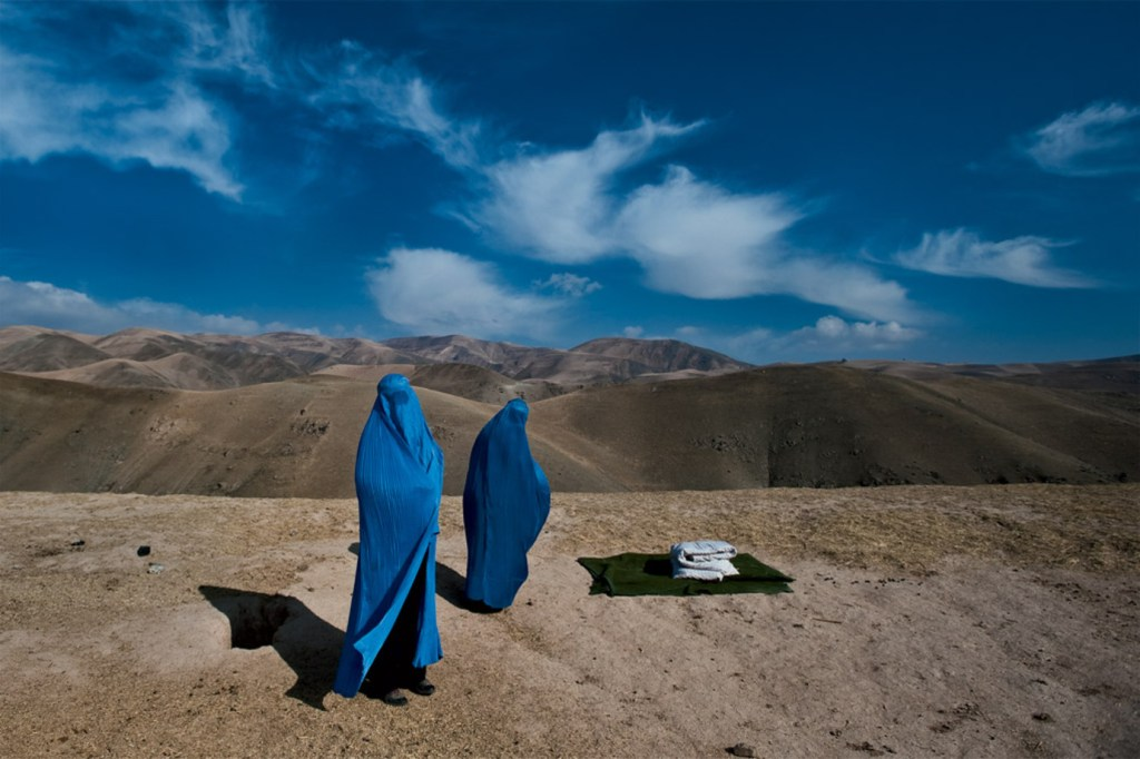 "Afghan women from the series ""Veiled Rebellion"" by Lynsey Addario (courtesy of the artist)."