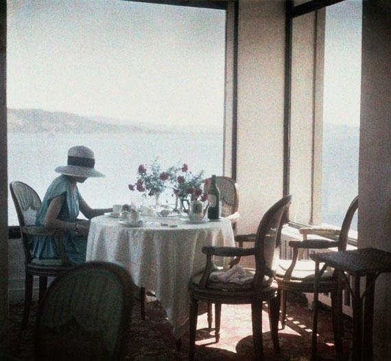Lartigue Bibi at the Eden Roe Restaurant, Cap d'Antibes, 1920 © Ministère de la Culture_France/AAJHL