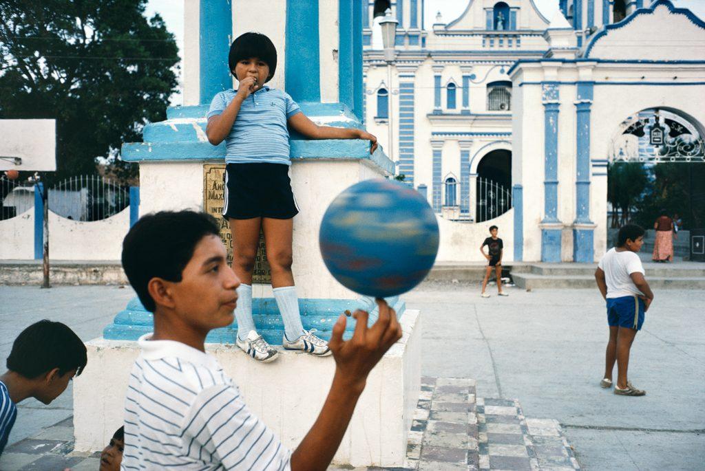 """Tehuantepec, Oaxaca, Mexico, 1985"" by Alex Webb (courtesy of Robert Klein Gallery, Boston)."