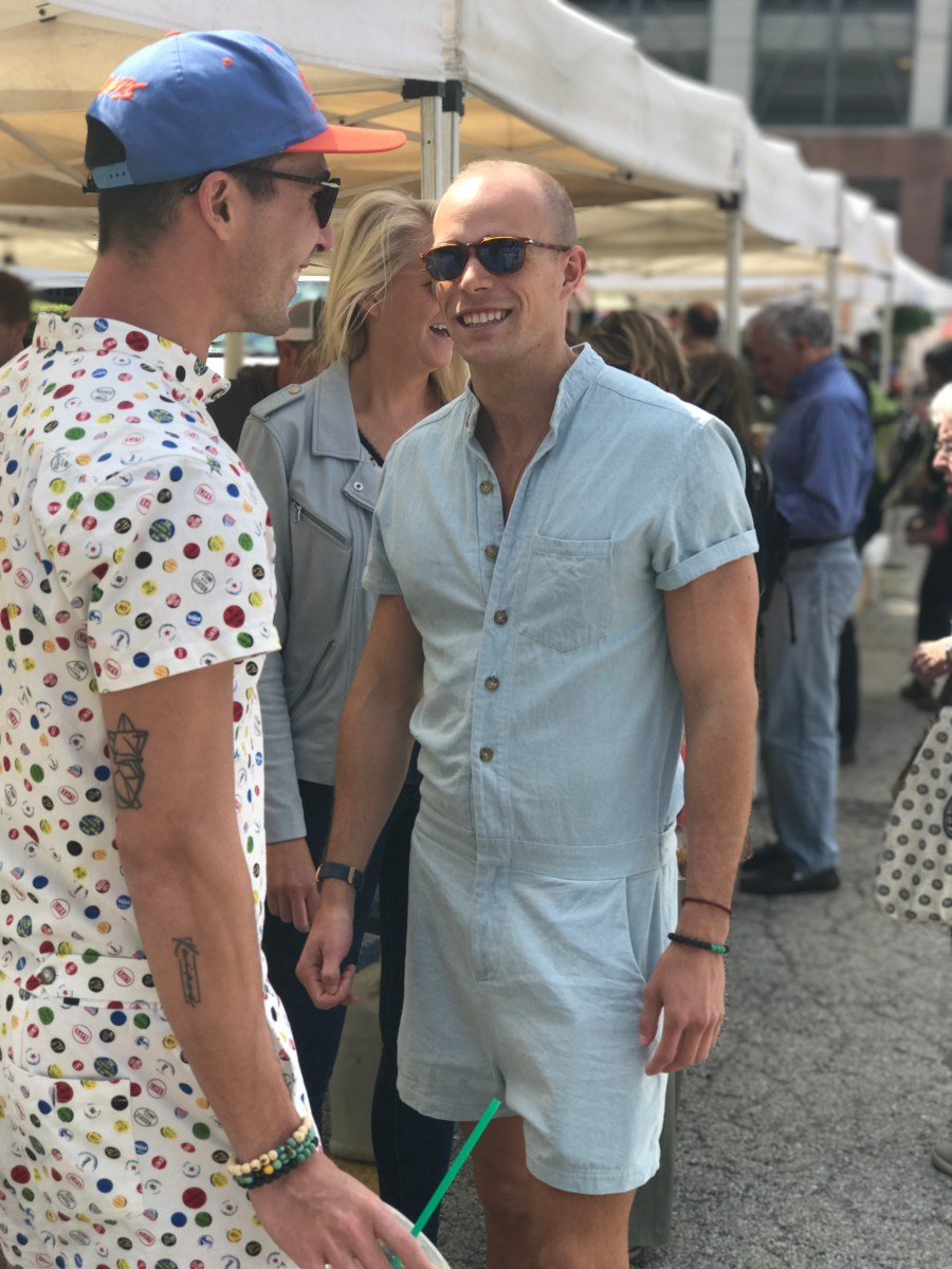 RompHims at the market - chatting_1494966279081_9478053_ver1.0