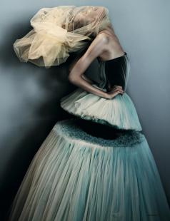 Viktor-Rolfe-dress-with-section-missing-from-Dazed-and-Confused-shoot-Feb-2010
