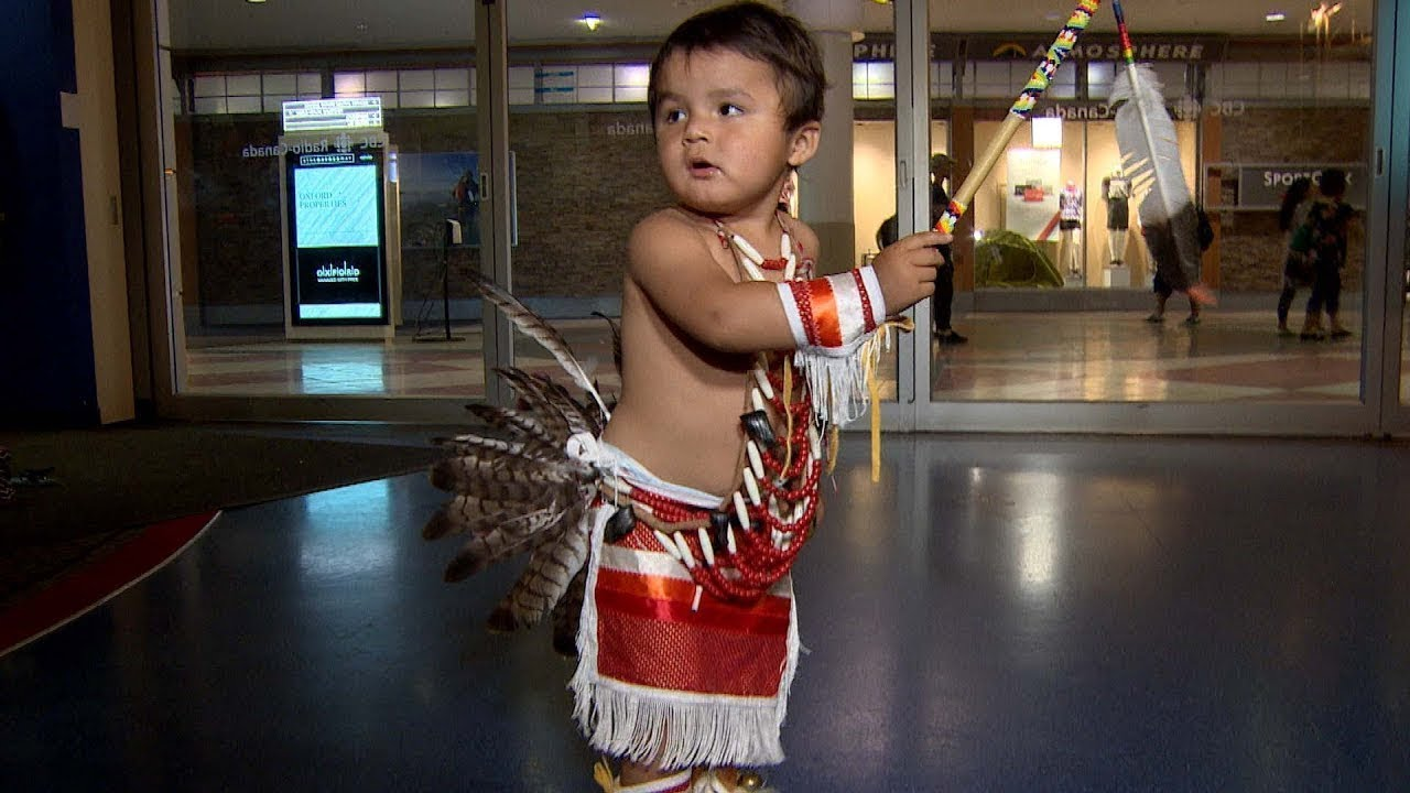 Little Powwow Dancer Steals The Show & Goes Viral
