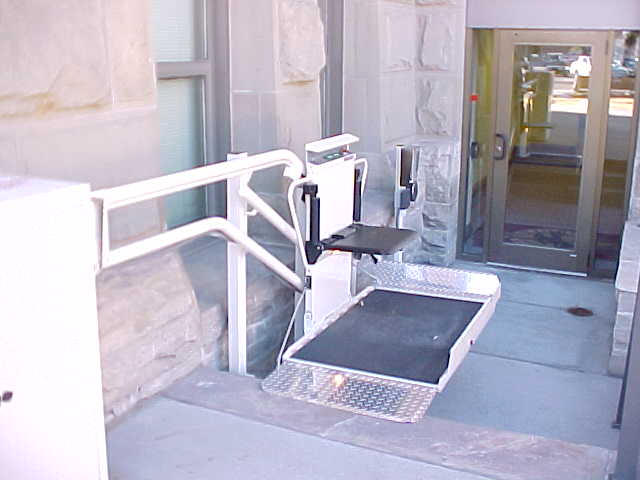 Wheelchair Assistance  Car rooftop wheelchair lift