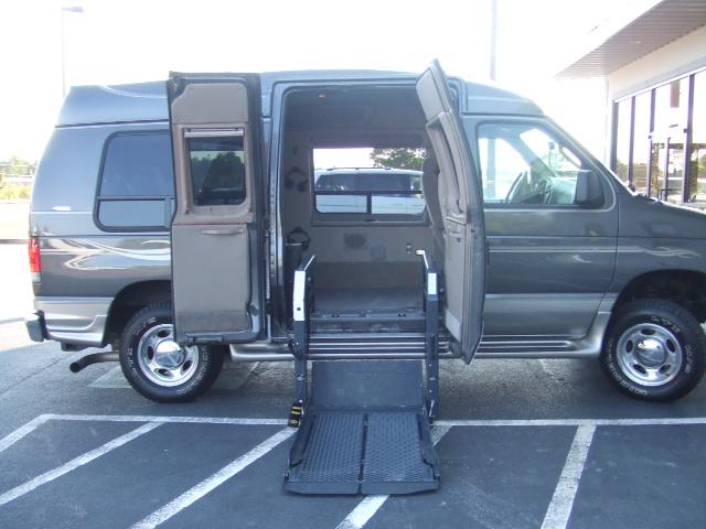 Wheelchair Assistance  Wheelchair lift van