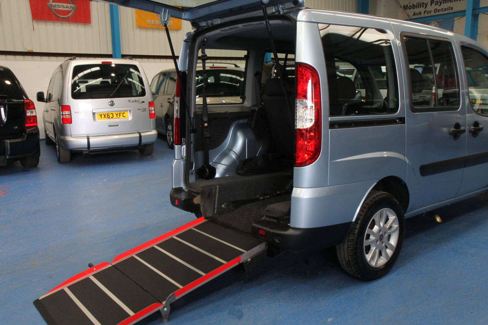 wheelchair car chair covers cost fiat doblo accessible yy11yym
