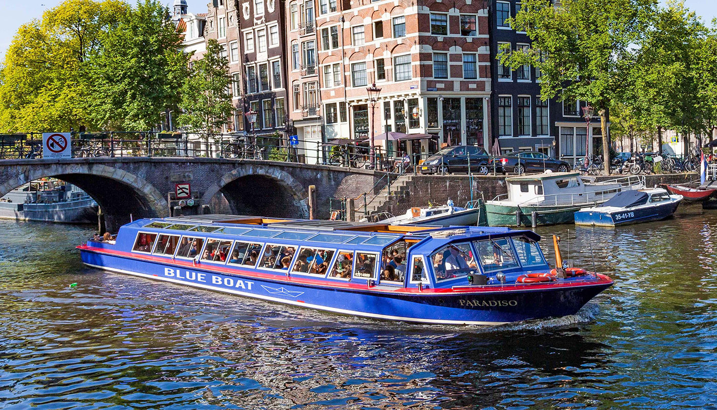 Review: Blue Boat Canal Cruise in a Wheelchair, Amsterdam