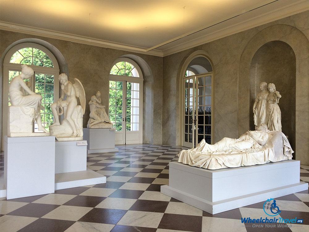 PHOTO DESCRIPTION: Sculptures in Charlottenburg Palace.