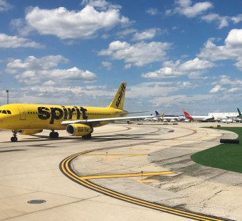 PHOTO: Spirit Airlines plane preparing to land.