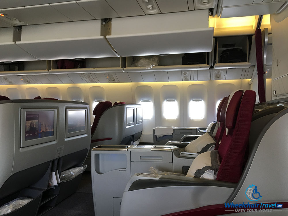 Qatar Airways Boeing 777 business class seats
