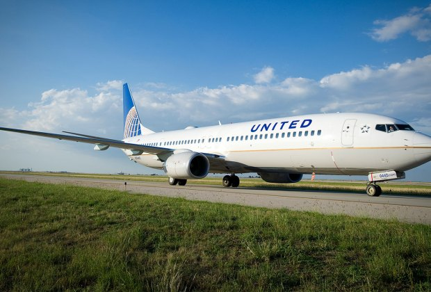 United Airlines aircraft.