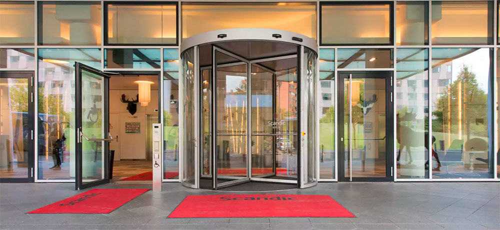 Scandic Berlin Potsdamer Platz building entrance with automatic doors.