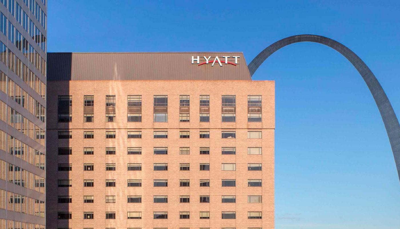 Wheelchair accessible hotel rooms at the Hyatt Regency St. Louis.