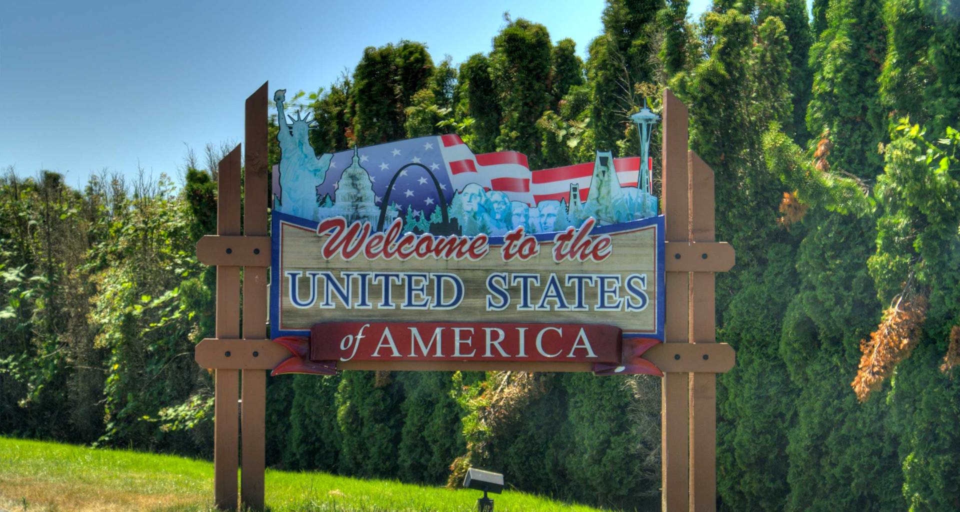 Welcome to the United States of America sign.