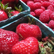 6 Tips To Buying & Eating Fresh On The Road
