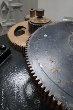 Beautiful clockwork mechanism that turned the lens