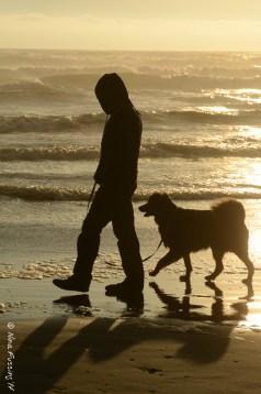Synchronized beach walk