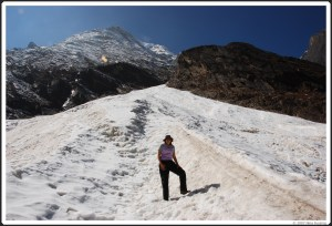 Moi standing on a glacier at around 18,000 feet in Nepal in 2007. This was a solo trip.