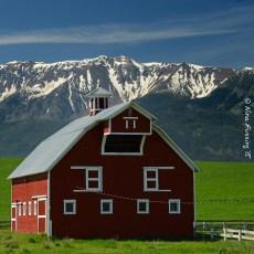 The Oregon Wallowas Part IV – Chasing Brews, Bronze & Barns