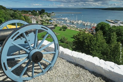 There are Forts out here too (Mackinac Island)