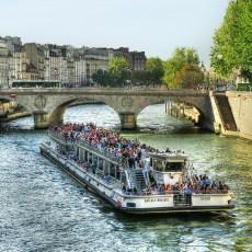 Oh Paris, My Paris -> Accomodation & Getting Around