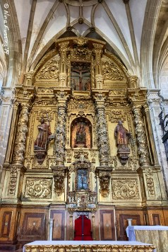 The main altar in Iglesia de Santa María La Mayor