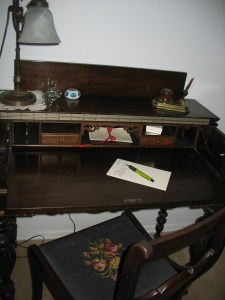 writing-table