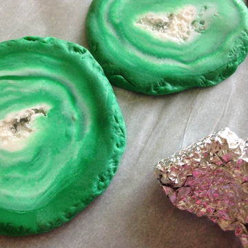 Faux Geode Slice Pendant How-To 11