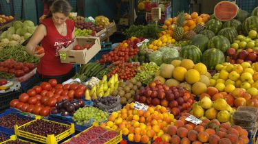 Photo: http://sofiaecho.com/2012/02/05/1759656_bulgarias-big-freeze-to-hit-fruit-harvest