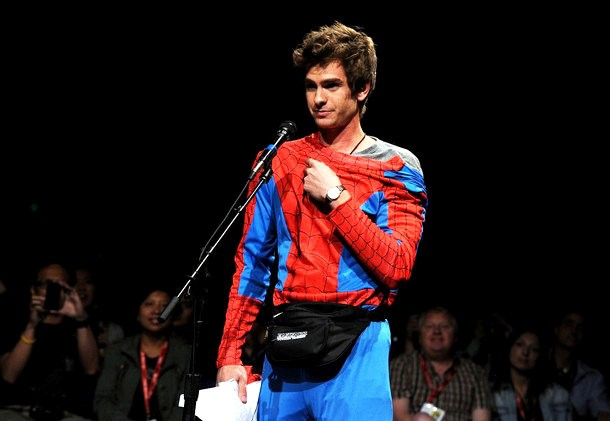 comic-con-2011-andrew-garfield-costume-amazing-spider-man