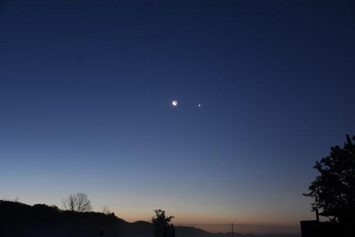 Crescent Moon, Venus, and Aldebaran, July 17, 2020
