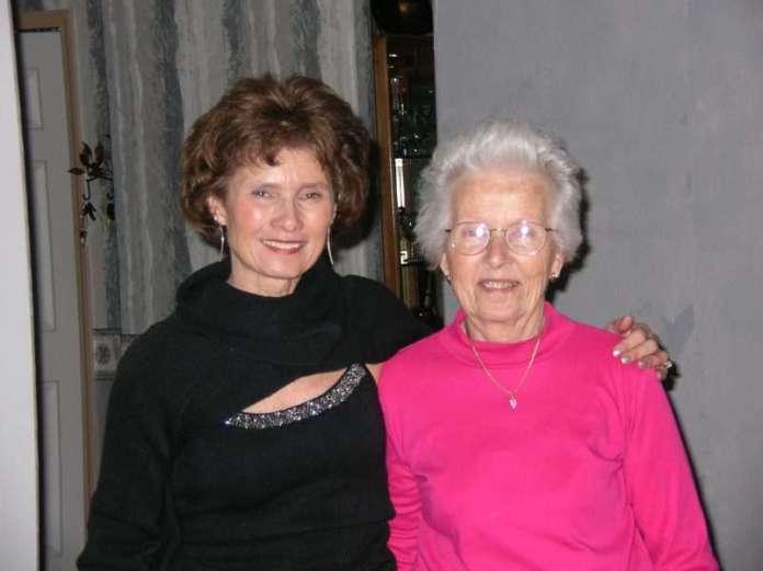 Photo of Elaine Pereira and Her Mom