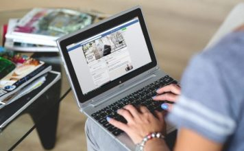 women protect themselves on social media