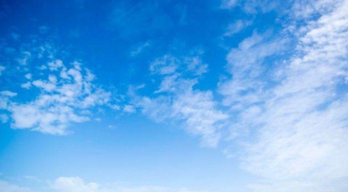 穿越蓝天。 阿米莉亚 · 埃尔哈特做到了
