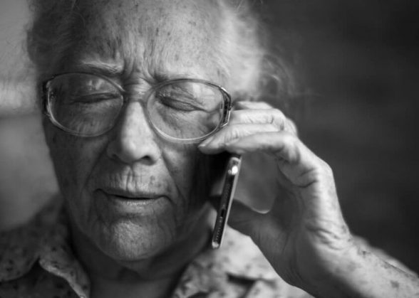 How to talk to a parent with dementia on phone or in person