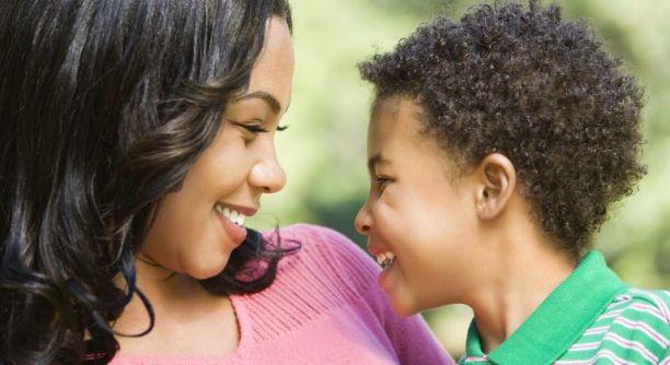 Conversations significatives de maman avec des enfants