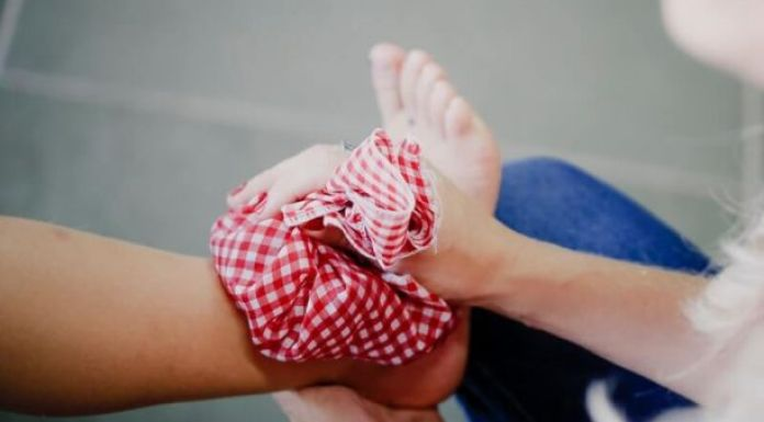 Ice pack: Ways to treat chronic pain