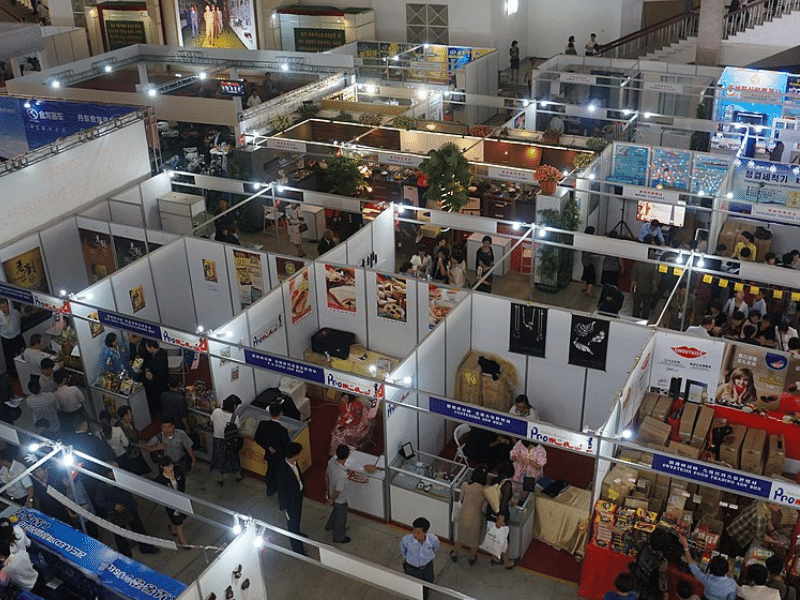 Display stands: Trade show or exhibition