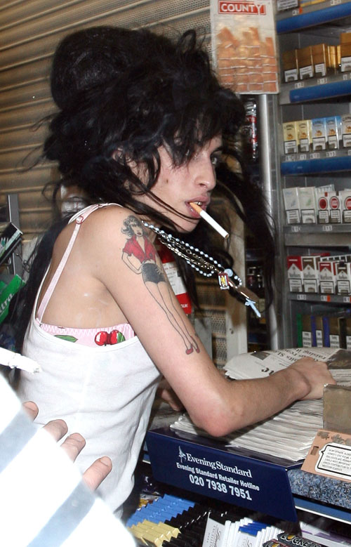 Someone broke into Amy Winehouses house  Entertainment News