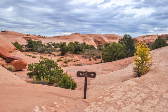 Arches National Park is teeming with astounding formations and fun hikes. This travel guide is a hiking filled Arches itinerary for 2 perfect days in this surreal Utah wonderland.