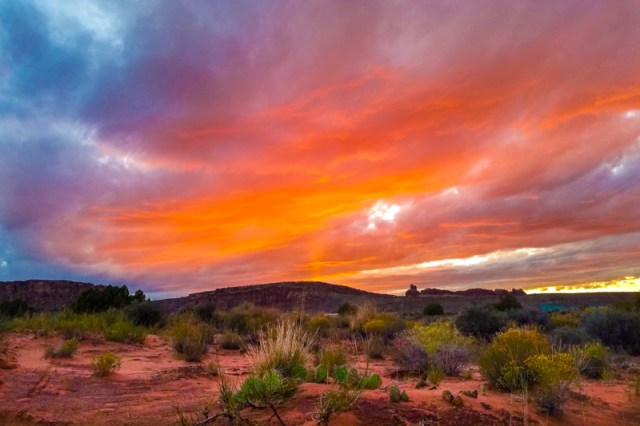 There are so many things to do in Moab, Utah that you could spend a month here and barely scratch the surface. From Arches and Canyonlands National Parks, to free camping and mountain biking, here are 7 reasons why you should add Moab, Utah to your travel plans this year.