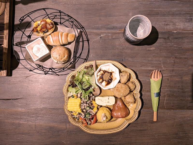 新竹東區| 新竹素食口袋名單!超好吃日式蔬食-井家 Tea House - 謝小徽的旅行手札