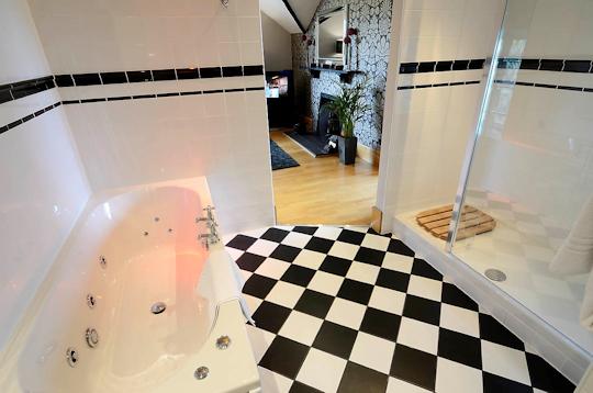Boudoir Bath
