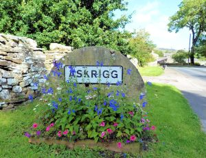 Askrigg entering the village