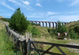 Arten Gill viaduct on the route up Great Knoutberry