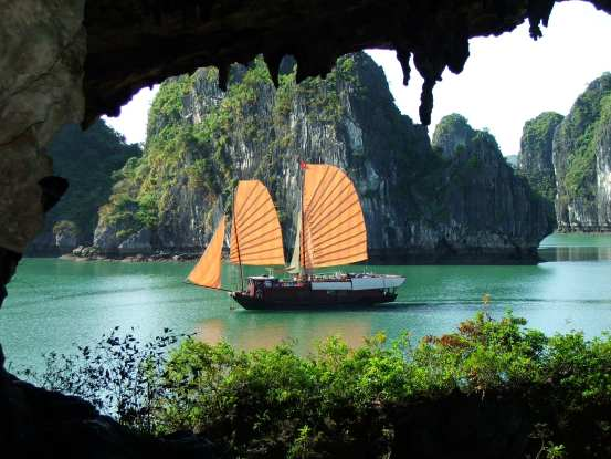 Ha Long Bay Courtesy of Live and Invest Overseas