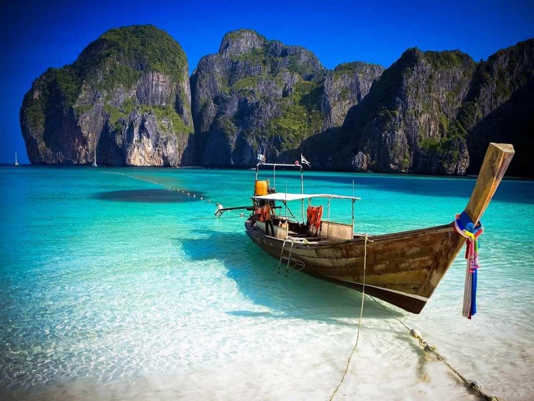 Maya Bay: Ko Phi Phi, Thailand
