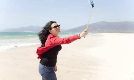 10 Ways To Take  Photos Of Yourself When Travelling  Solo